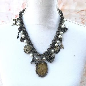 Jewelry - Vintage charms necklace